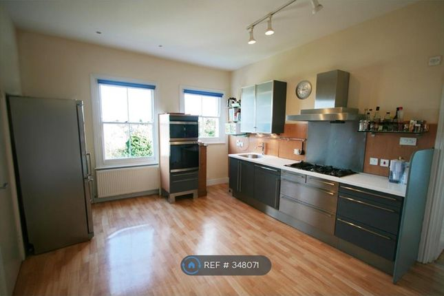 Thumbnail Flat to rent in St. Judes Road, Englefield Green, Egham