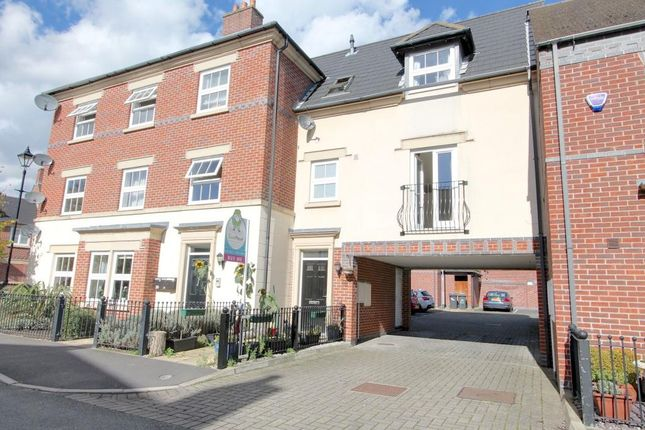 2 bed mews house for sale in Partington Square, Runcorn