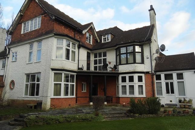 Thumbnail Flat to rent in Pampisford Road, South Croydon