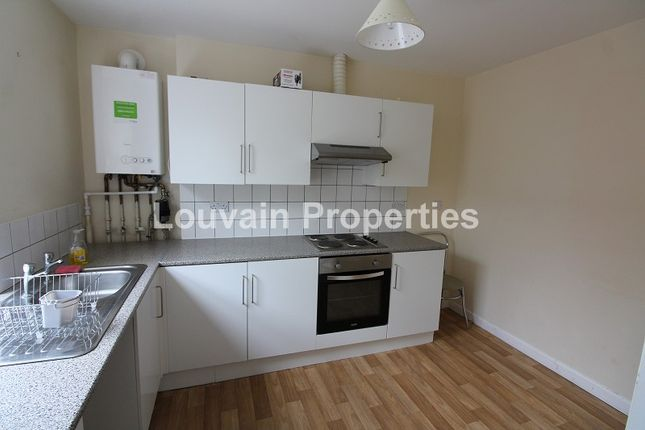 Thumbnail Property to rent in Marine Street, Cwm, (Top Flat), Ebbw Vale, Blaenau Gwent.