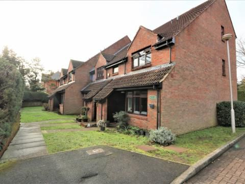 Thumbnail Terraced house to rent in Bennett Court, Camberley