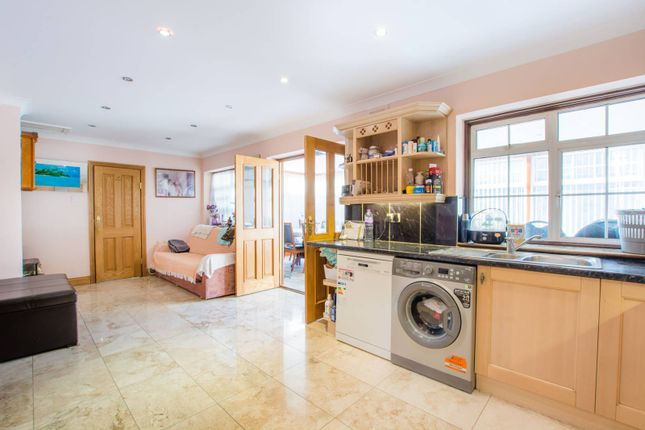 Thumbnail Property to rent in Richmond Road, Ilford