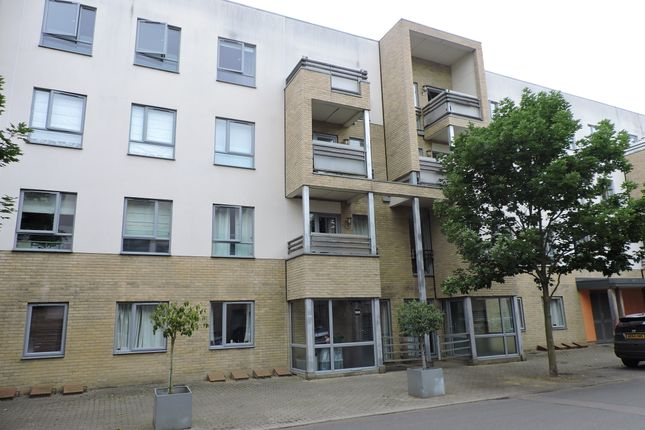Thumbnail Flat for sale in Glenalmond Avenue, Cambridge, Cambridgshire United Kingdom