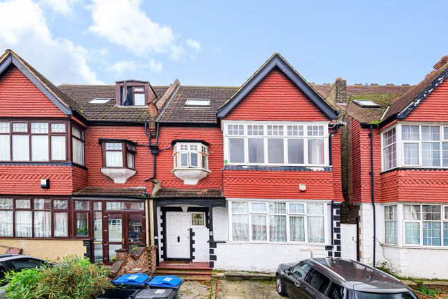 2 bed flat for sale in Norbury Crescent, London SW16