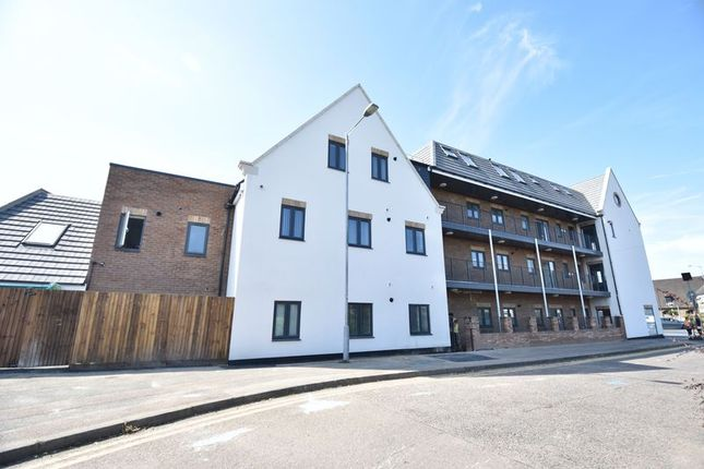 Thumbnail Flat to rent in Hitchin Road, Luton