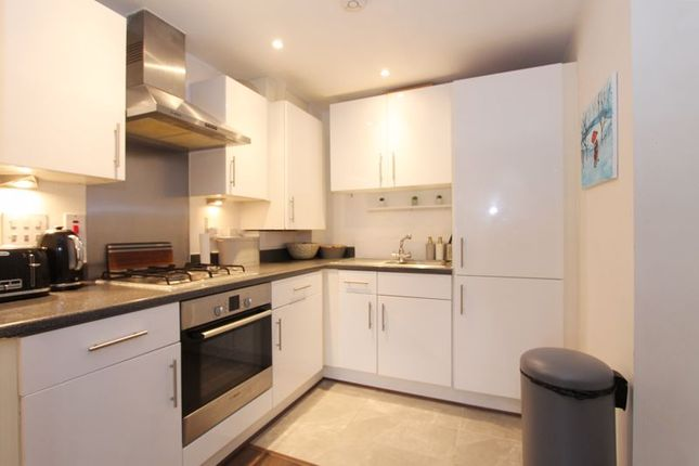 Thumbnail Flat to rent in Broadmead Road, Northolt