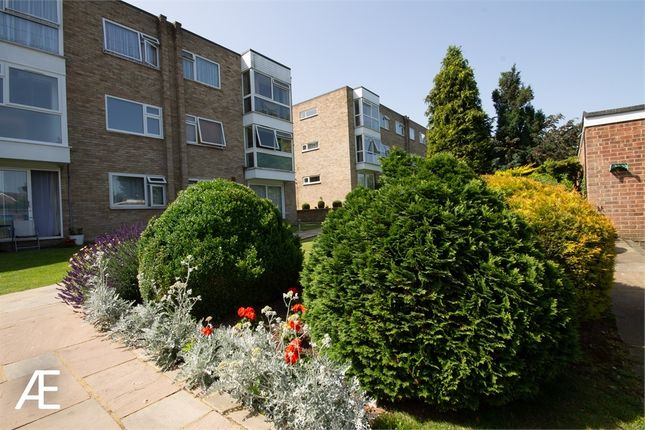 Thumbnail Flat for sale in Cadogan Close, Beckenham, Kent