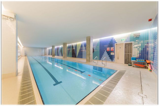 2 bed flat for sale in Crossharbour Plaza, Canary Wharf E14