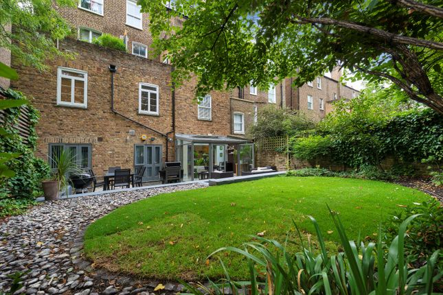 Thumbnail Flat for sale in Cambridge Gardens, London