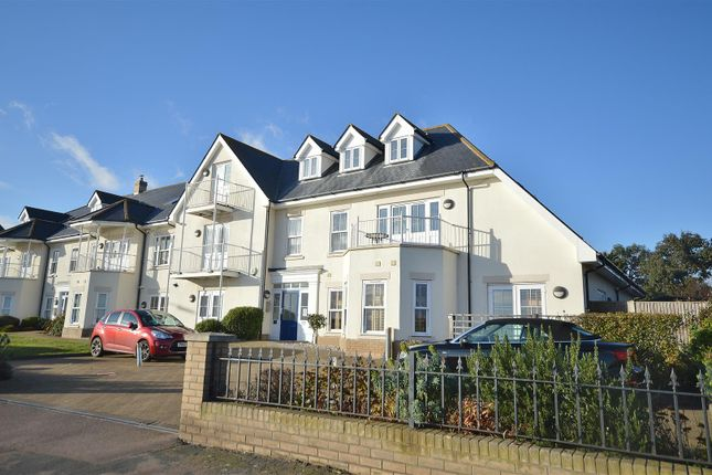 Thumbnail Flat for sale in Marine Parade East, Clacton-On-Sea