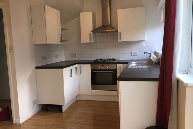 Thumbnail Semi-detached house to rent in Grosvenor Crescent, Dartford