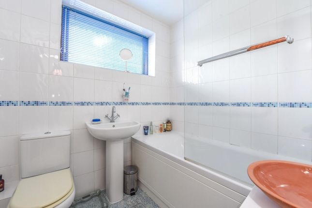 Bathroom of Wayside Green, Woodcote, Reading RG8