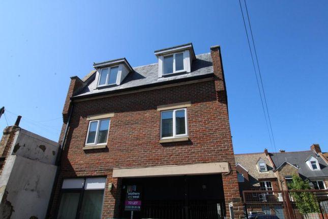 Flat to rent in Roumelia Lane, Bournemouth