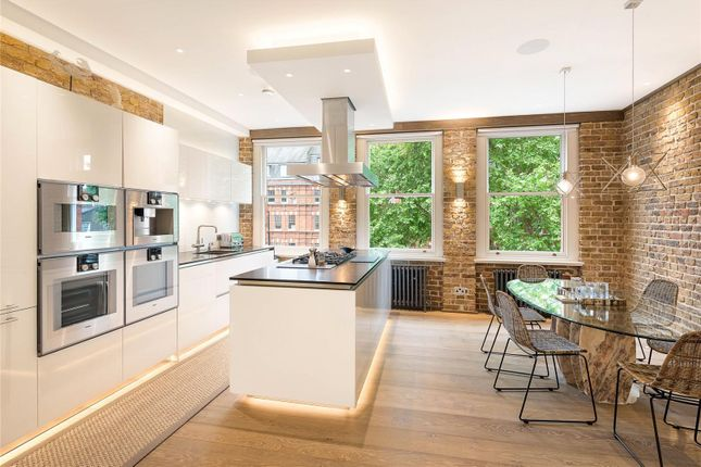 Thumbnail Flat for sale in Cheyne Gardens, Chelsea, London