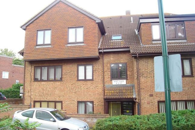 Thumbnail Flat to rent in Wyatt Place, Strood, Kent