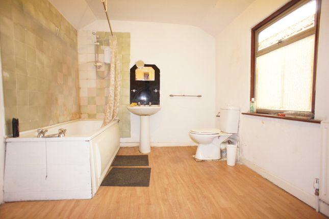 Bathroom of Queen Street, Avonmouth, Bristol BS11