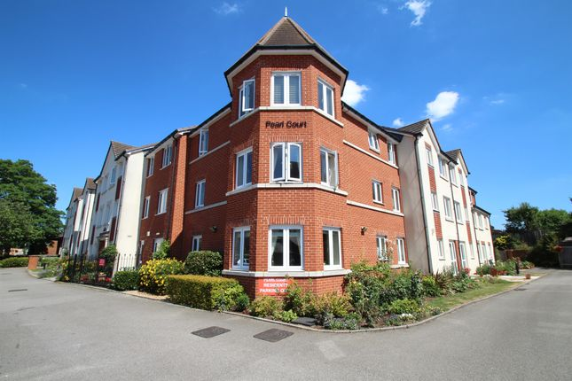 1 bed flat for sale in Croft Road, Aylesbury