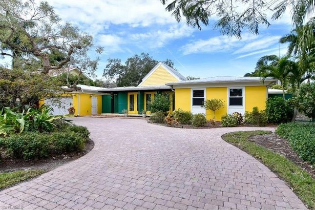 Thumbnail Property for sale in 595 16th Ave S, Naples, Fl, 34102
