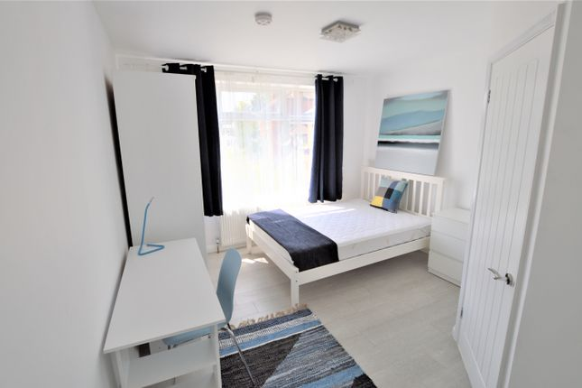Thumbnail Room to rent in Forge Lane, Gillingham