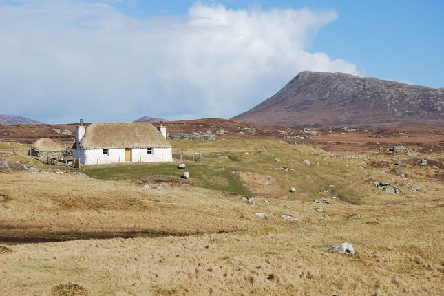 Thumbnail Cottage for sale in Claddach Carinish, Isle Of North Uist