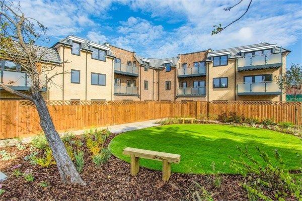 Thumbnail Flat for sale in Sutton Court Road, Hillingdon