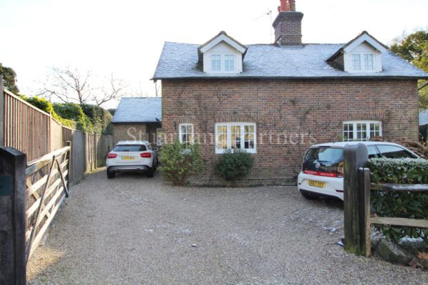 Thumbnail Cottage to rent in Highbrook, Ardingly