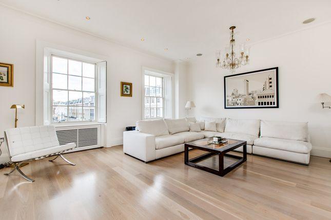 2 bed flat for sale in Upper Belgrave Street, London