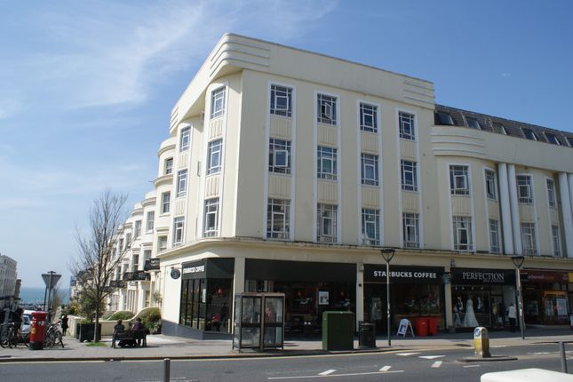 1 bed flat to rent in Western Road, Hove