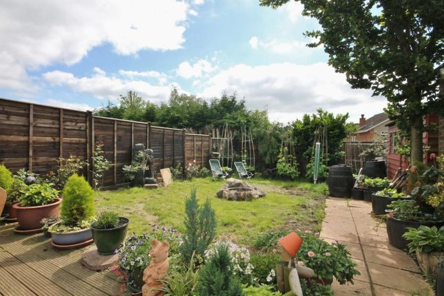 Thumbnail Detached house for sale in Linden Way, Ripley, Surrey