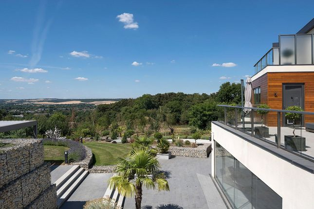 Thumbnail Detached house for sale in Harvest Hill, Bourne End, Buckinghamshire
