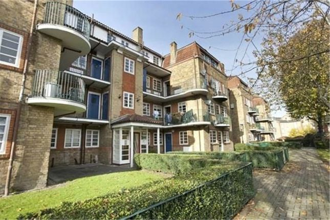 Thumbnail Flat to rent in Fir Court, Acorn Walk, Rotherhithe