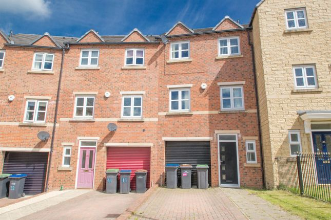 Thumbnail Town house to rent in Queens Gate, Consett
