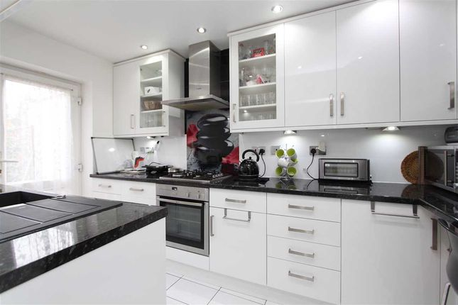 Thumbnail Terraced house to rent in Beech Tree Close, Stanmore