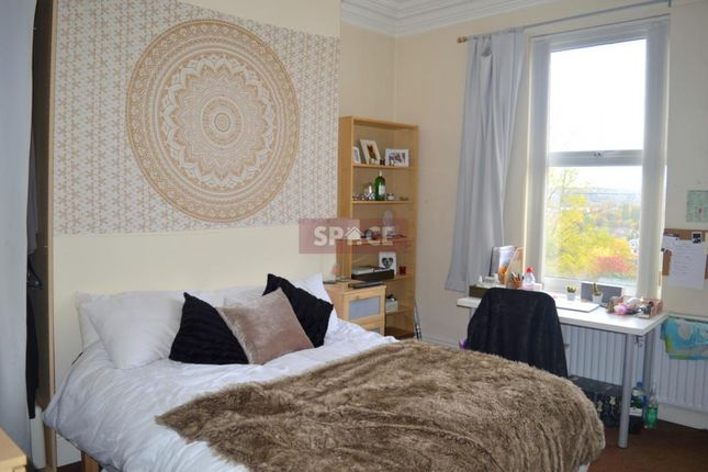 Thumbnail Terraced house to rent in Belle Vue Road, Hyde Park