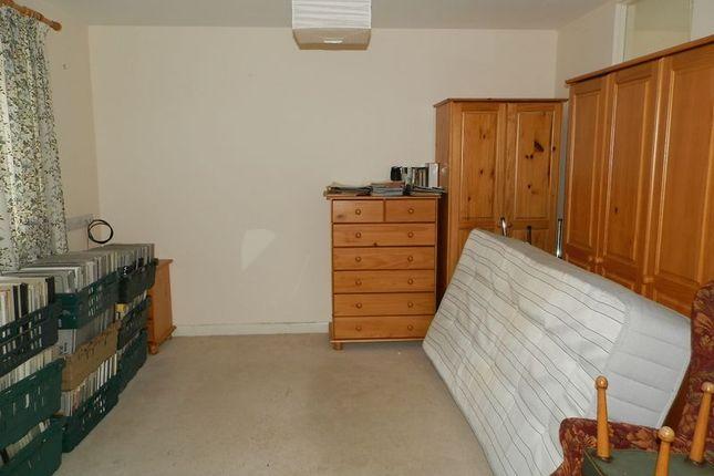 Bungalow Bedroom of Llangeler, Llandysul SA44