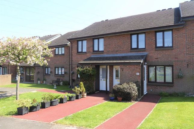 Thumbnail Property for sale in Ash Grove, Dunstable