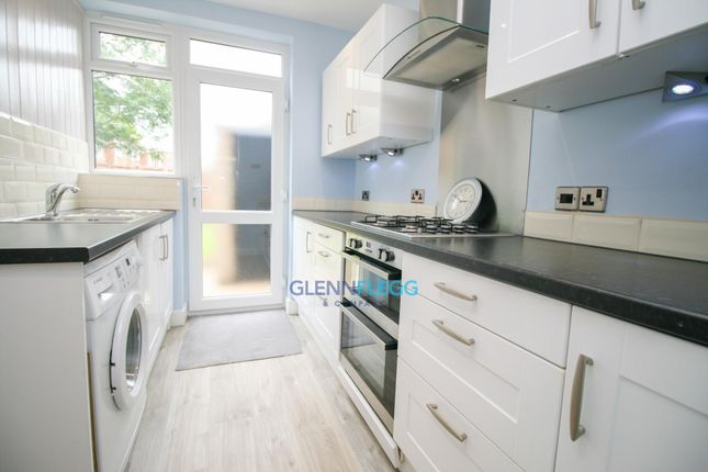 Thumbnail Terraced house for sale in Doddsfield Road, Slough