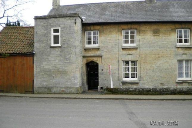 Thumbnail Cottage to rent in Church Lane, Caythorpe, Grantham