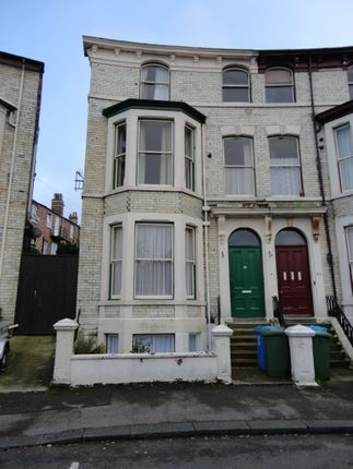 Thumbnail Flat to rent in Grosvenor Road, Scarborough
