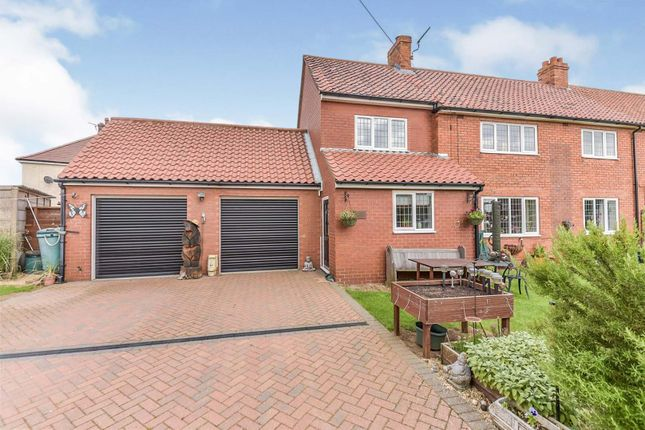 4 bed semi-detached house for sale in West Street, Barkston, Grantham NG32