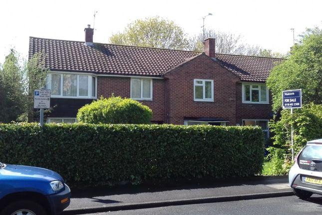 Thumbnail Terraced house to rent in Bull Lane, Bracknell