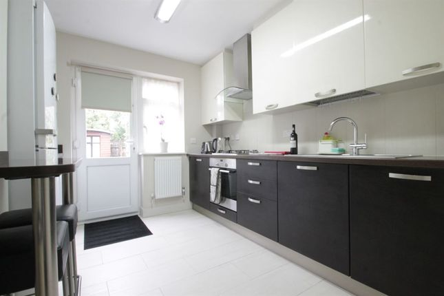 Thumbnail Flat to rent in Redbourne Avenue, London