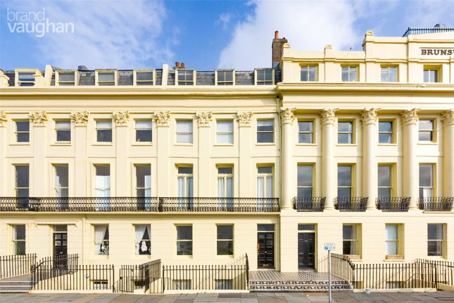 2 bed flat to rent in Brunswick Terrace, Hove, East Sussex BN3