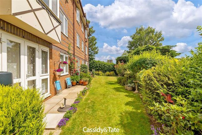 Thumbnail Flat for sale in Davis Court, St Albans, Herts