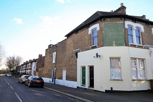 Thumbnail Flat for sale in Barclay Road, Bushwood Area