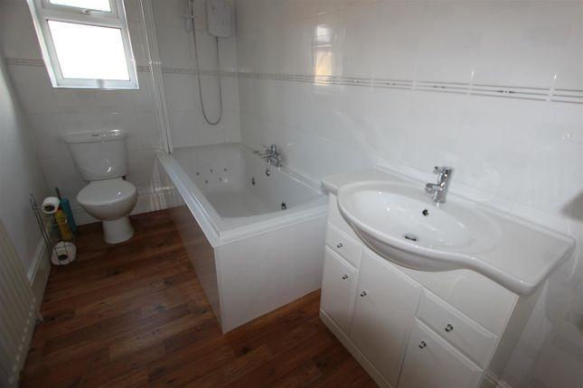 Bathroom of Beaconsfield Street, Darlington DL3