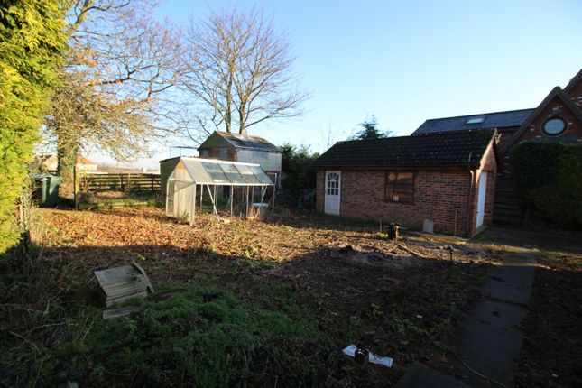 Picture No. 03 of Rawfield Lane, Fairburn, Knottingley, North Yorkshire WF11