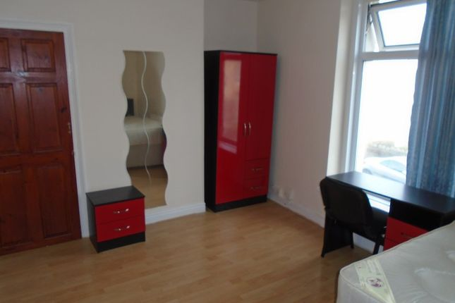 Thumbnail Flat to rent in Mansel Street, Swansea