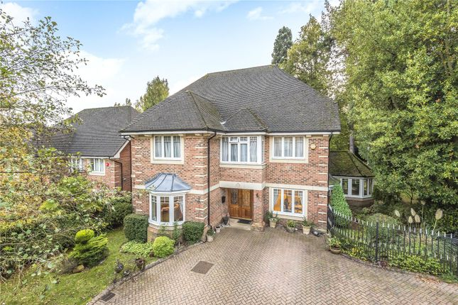 Thumbnail Detached house for sale in Saddlers Close, Arkley, Barnet, Hertfordshire