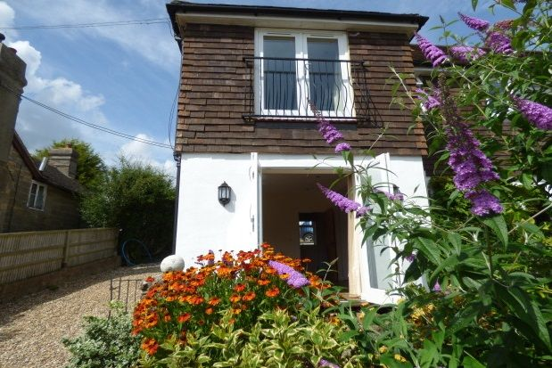 Thumbnail Flat to rent in Redbridge Lane, Crowborough